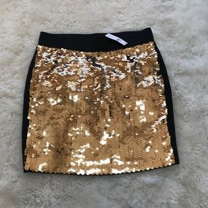 New York & Company Mermaid Sequin Skirt